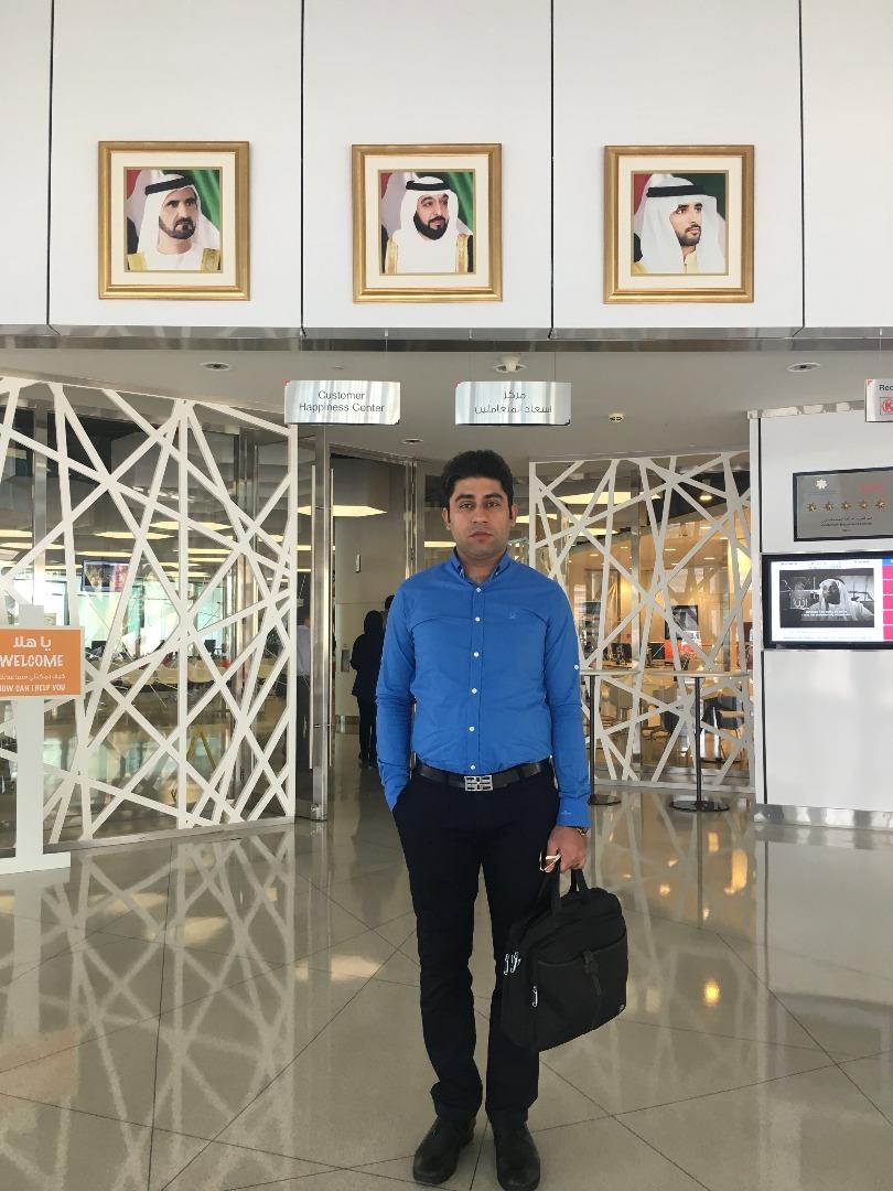 مدیر عامل گروه مکاکو در فرودگاه شهر دبی